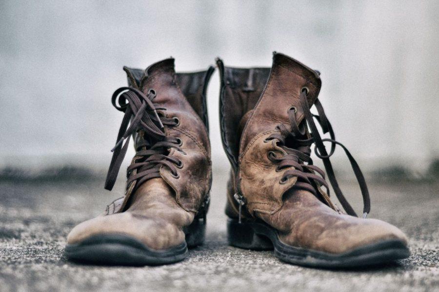 hunt-memorials-monuments-tombstones-dust-on-boots