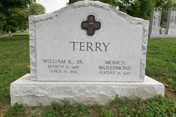 Hunt-Memorials-Monuments-Tombstones-Family-41